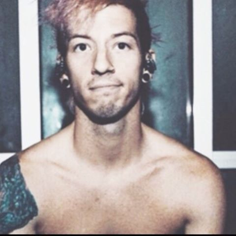 josh-dun-looking-hot