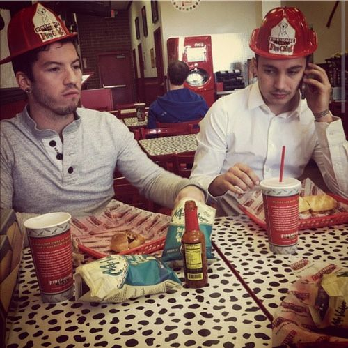 twenty-one-pilots-firemen